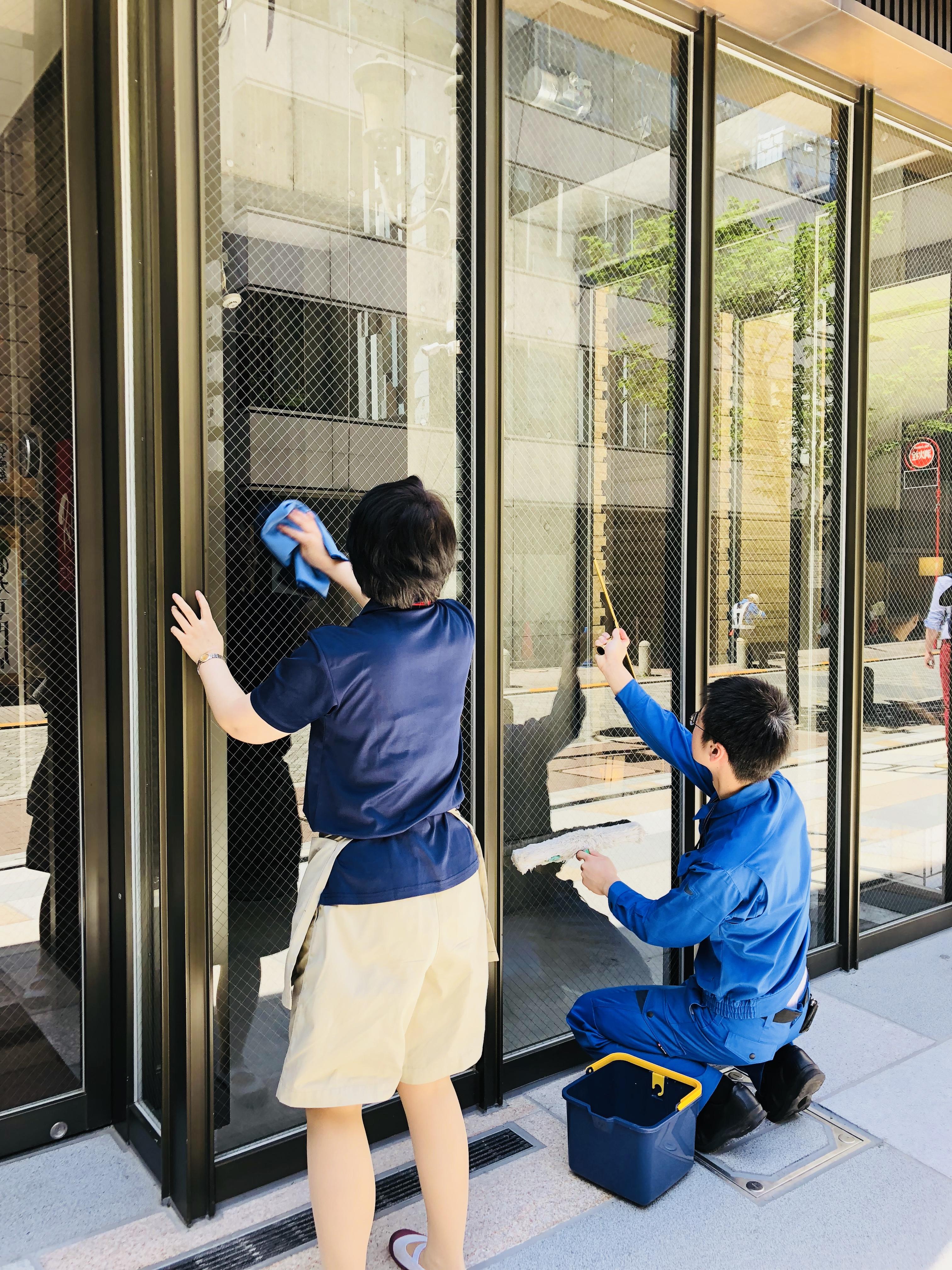 ホテル 窓ガラス清掃