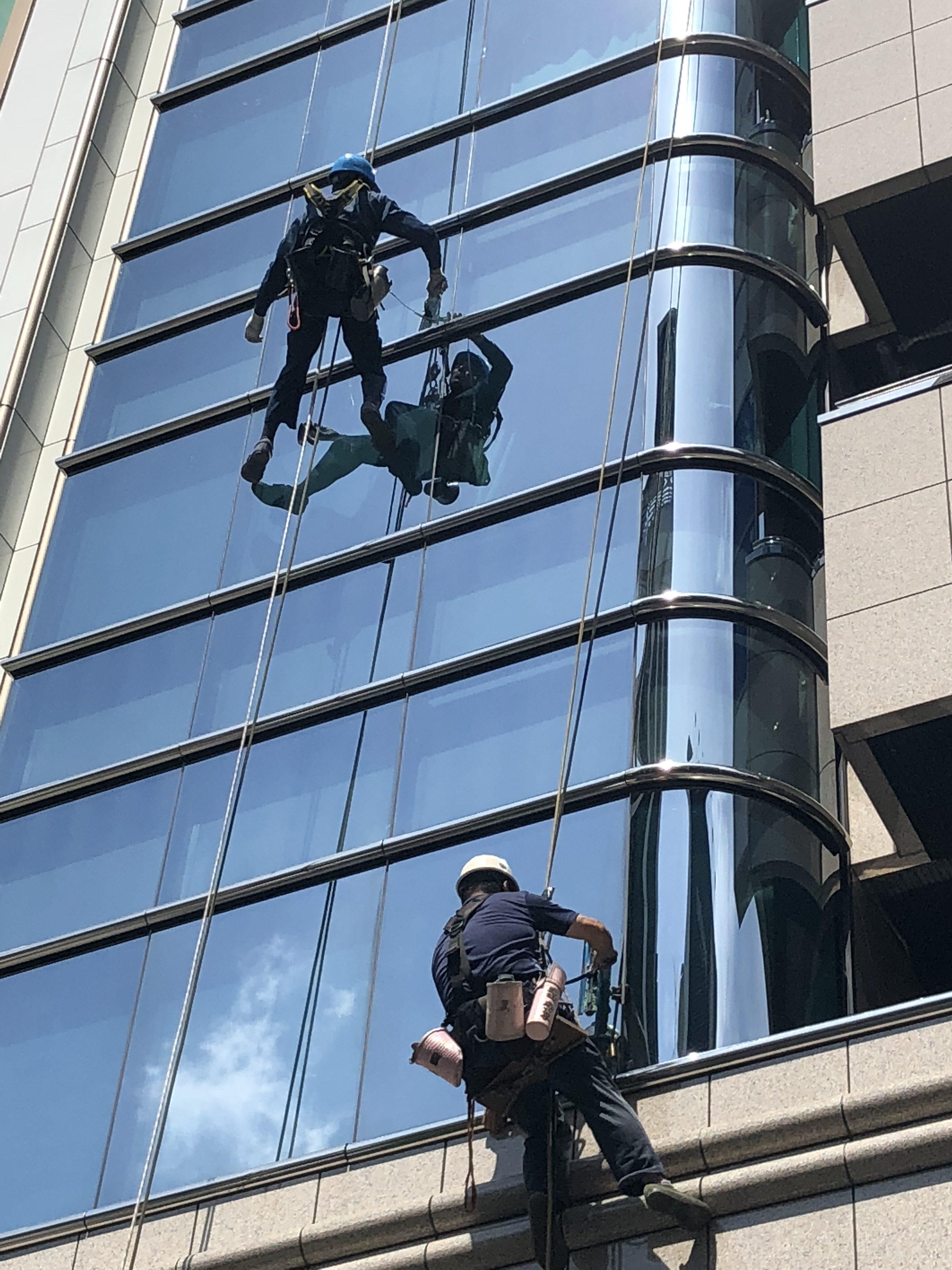 ビル 窓ガラス清掃